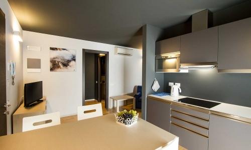 Dormire-vicino-a-trieste_monolocale-con-terrazza_ResidenceBleu_ap-08-1